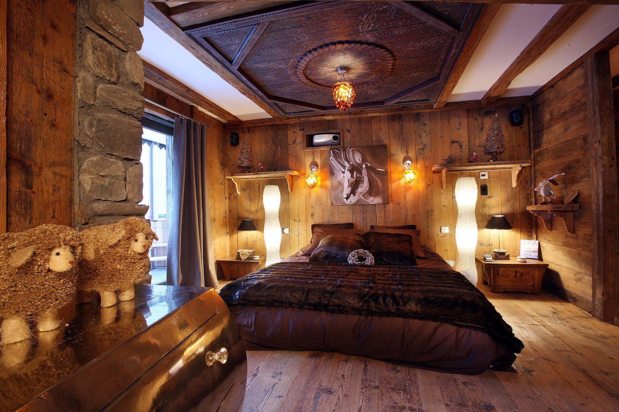 dipris studio. Black Bedroom Furniture Sets. Home Design Ideas