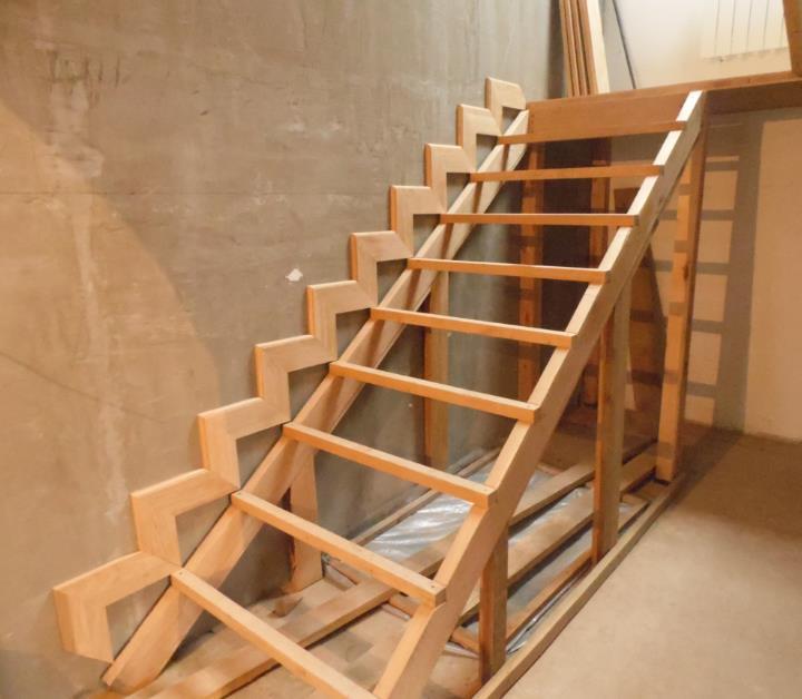 Как сделать деревянную лестницу на второй 2 этаж своими