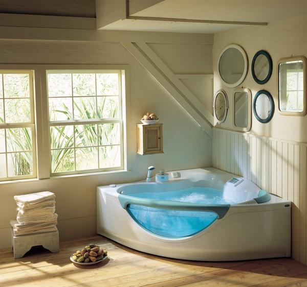 Белый интерьер ванной в загородном доме