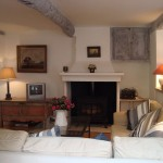 Дизайн гостиной в частном доме в стиле прованс