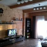 Дизайн маленькой гостиной в частном доме