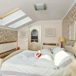 Дизайн спальни на пол-мансарды фото