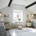 Дизайн спальни в стиле прованс на мансарде деревянного дома
