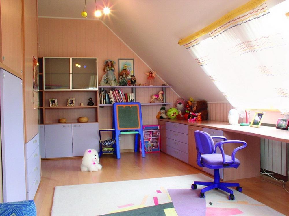 Детская для двоих детей в стиле прованс на мансардном этаже