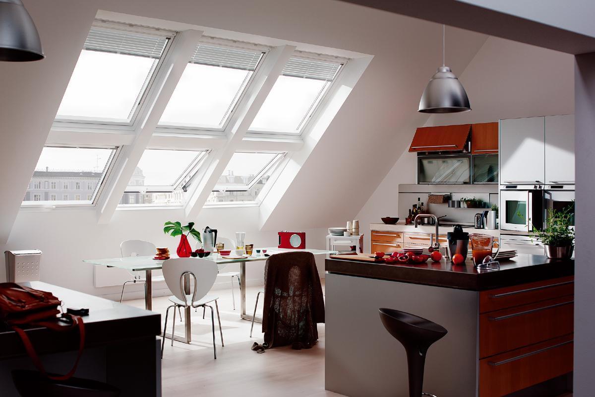 Дизайн кухни на мансарде в стиле модерн фото