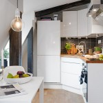 Маленькая угловая кухня на мансарде фото