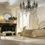 Стильная спальня в частном доме в стиле неоклассика