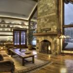 Дизайн каминной зоны в загородном доме с панорамными окнами
