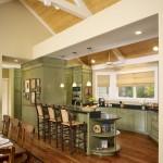 кухня-гостиная со вторым светом в стиле прованс