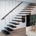 Железная лестница на больцах