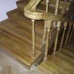 Деревянная лестница и перила из ясеня