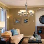 Как подобрать люстру в гостиную?